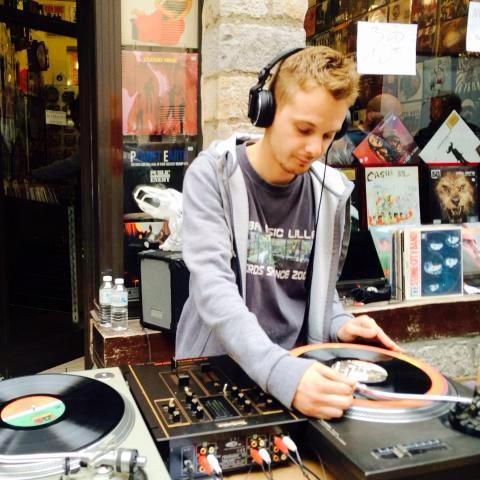 DJ DANN LEE
